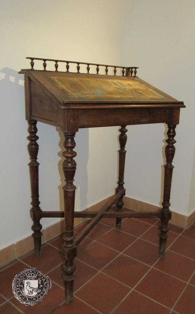 Pisaći stol odvjetnika Metela Peklića